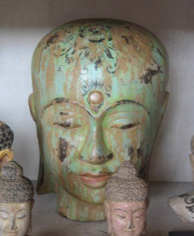Head in cement. Size H32, L25, W25 cm. Price FOB 14 usd incl wooden pack. Order code CP004.