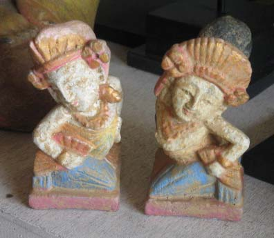 Couple Janger Bali in cement. Size H11 cm . Set of 2 pcs. Price 3,70 usd excl packing. Art. code: CP086.