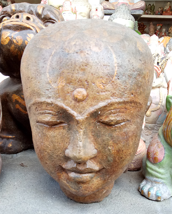 Head in cement. Size H32, L25, W25 cm. Price FOB 14 usd incl wooden pack. Order code CP006.