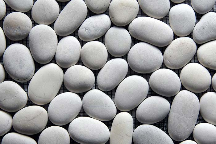 Pebble Mosaic Interlock White Stone—Order code: SMI-W-1