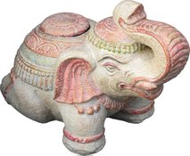 Cement Elephant for flag. Size: L55, H45, W30 cm. Weight 56kg. Price FOB 26,50 usd. Packing in wooden crate.